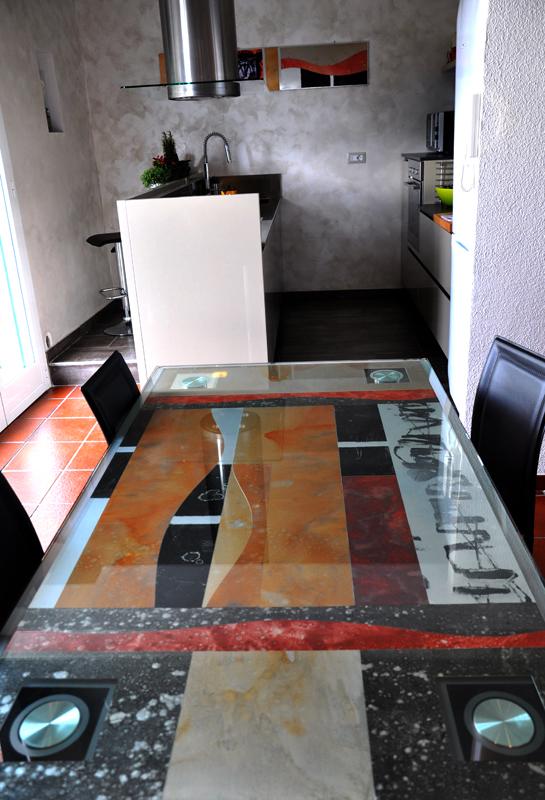 Tavolo sala da pranzo decorato a mano